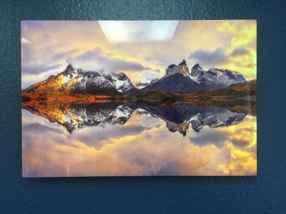 HD Metal White Prints submitted by users 37